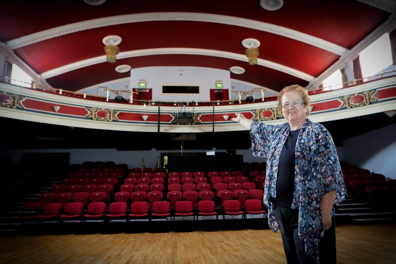 Stiwt Theatre, Rhos, Wrexham. Sioned Bowen who is new director at Theatre with members. Pictured: Sioned Bowen at the Theatre