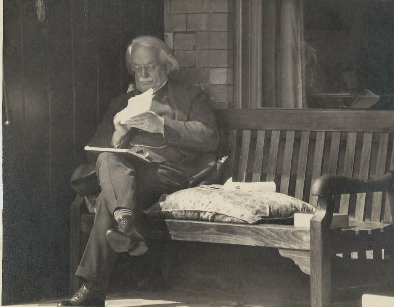 David Lloyd George relaxes in Criccieth CREDIT: Bengy Carey Evans