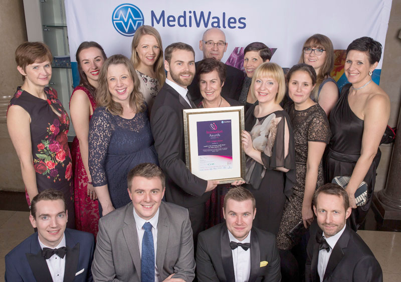 The team with the MediWales Award