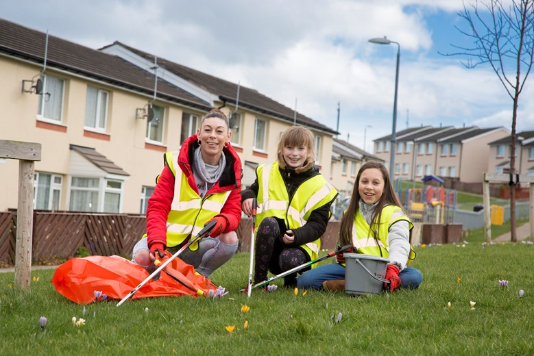 Cartrefi Conwy , Parc Peulwys spring clean up supported by keep wales tidy. Pictured are Sally Tierney,  Codie Lea Smith and Alisha Tierney.